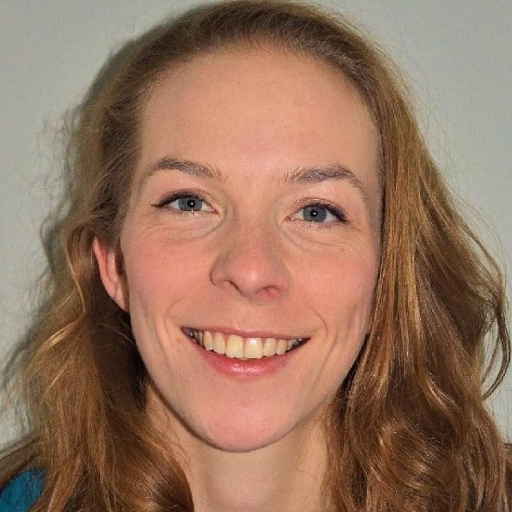 Portrait of Dr Hannah Newman