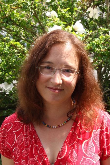 Portrait of Dr  Joanne Limburg