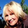 Portrait of Dr  Fiona Gullon-Scott